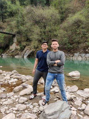 Kasol Trip | Photo shoot by the river in Kullu with HikerWolf
